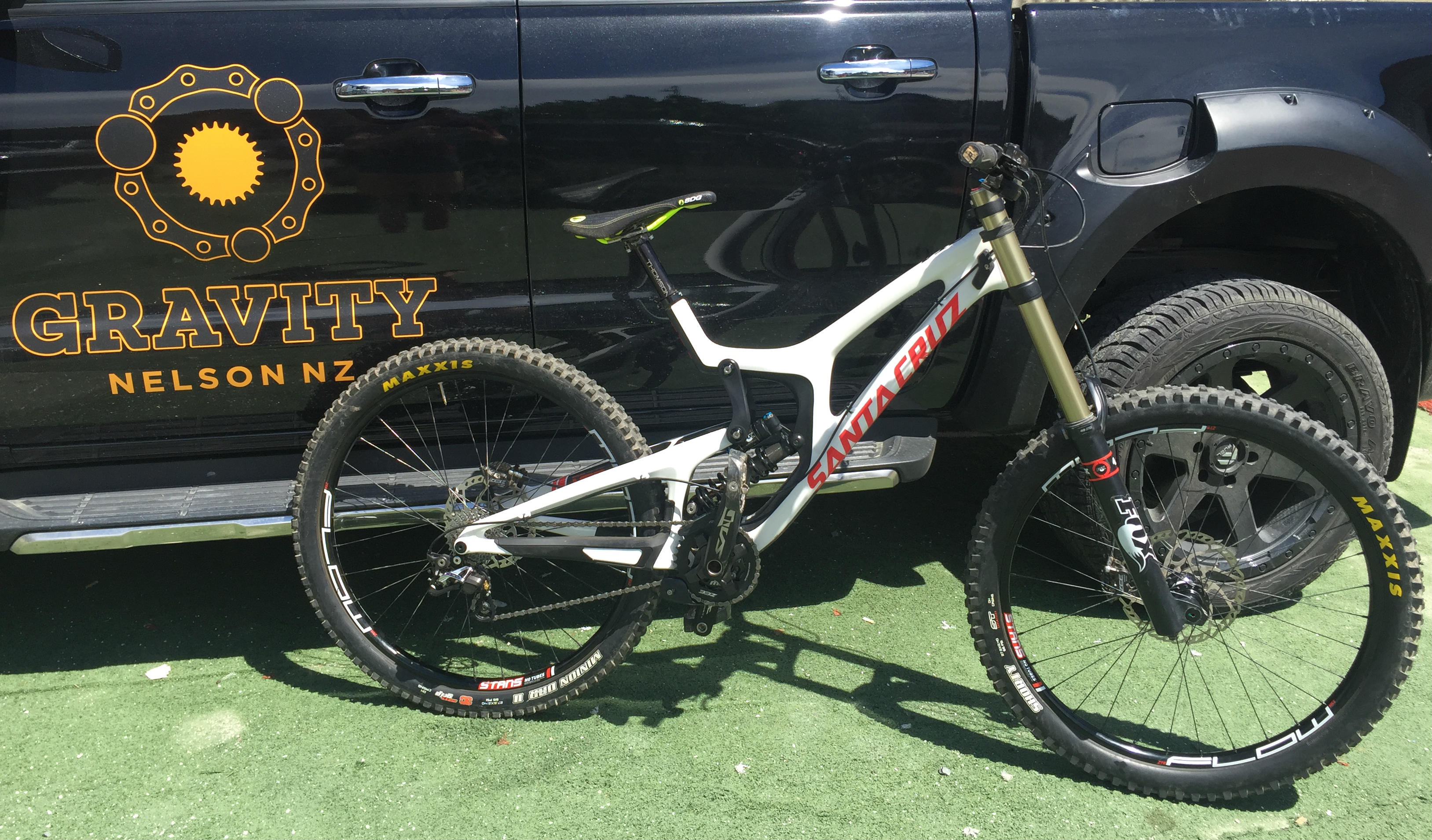 52ee2d4743b Santa Cruz v10 CC Cost Effective Competitive DH build. These bikes need no  introduction and have been ridden by bike park shredders, racers and  huckers for ...