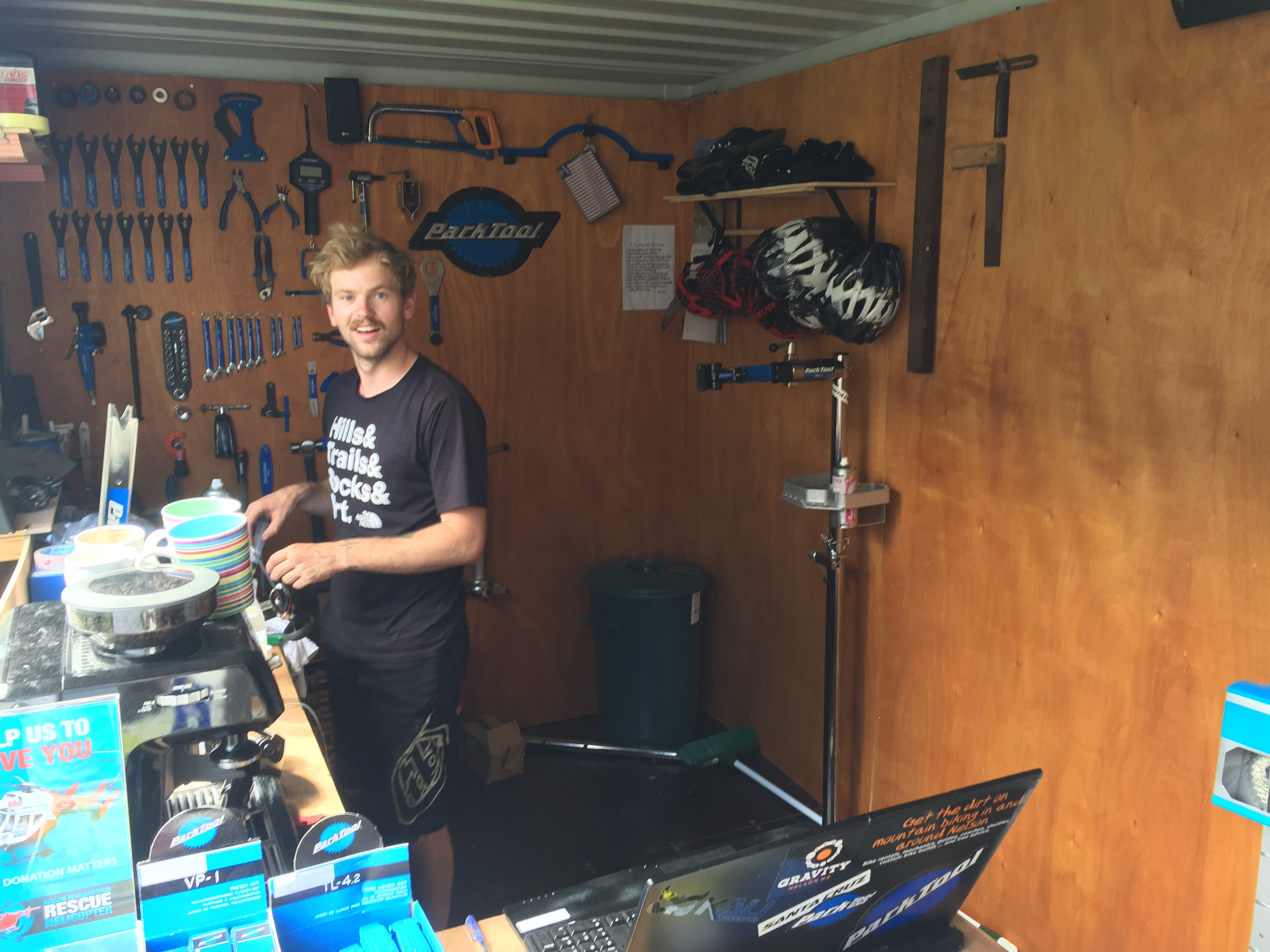20ft Shipping Container >> Building a bike workshop in a 20ft shipping container - Gravity Nelson NZ